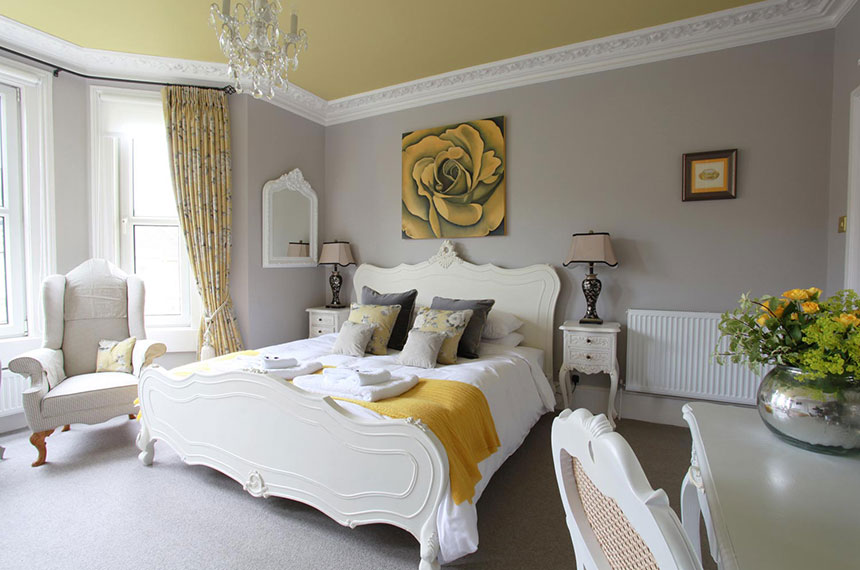 Luxury B&B bedroom in Bath with yellow details